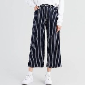 LEVI'S PREMIUM Ribcage Pleated Crop Jeans striped